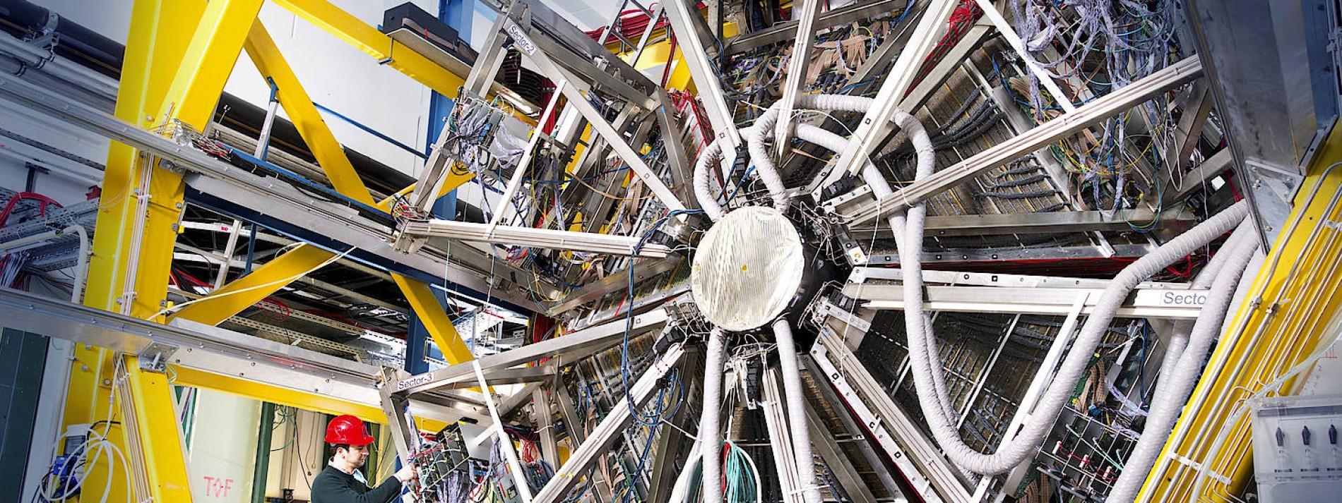 Hessen gründet Forschungsakademie für Teilchenbeschleuniger