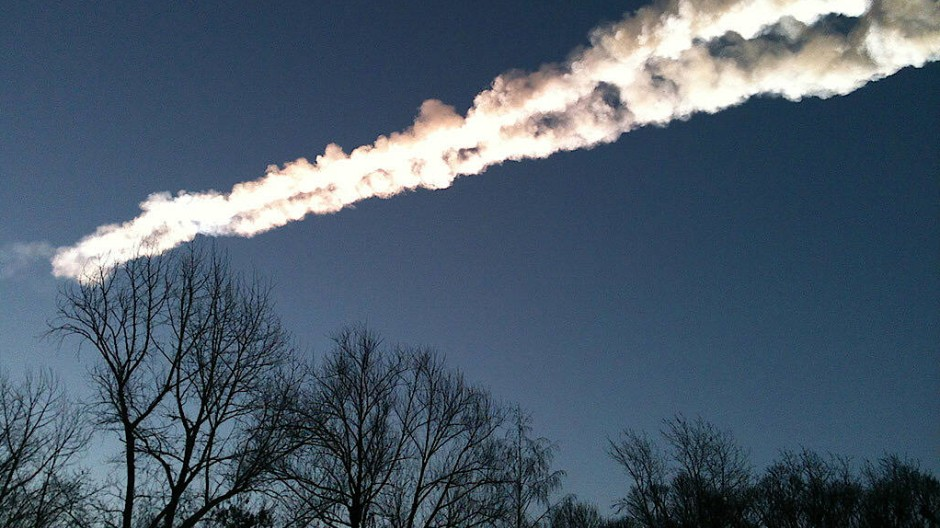 Asteroideneinschläge auf der Erde sind erdhistorisch keine Seltenheit, wie das Ereignis am 15. Februar 2013 über der russischen Stadt Tscheljabinsk zeigte.