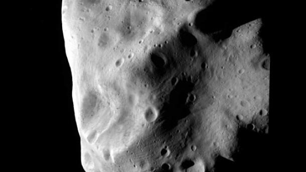 Rosetta besucht den rätselhaften Asteroiden