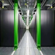 Die wassergekühlten Rechnersysteme des Green-Cube-Rechenzentrums der GSI in Darmstadt sind sparsam und energieeffizient.