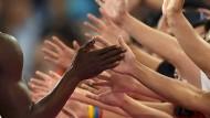 """Eine Menschheit, entstanden """"Out of Africa"""": In jedem von uns stecken die """"afrikanischen"""" Erbanlagen, auch wenn die Haut vieler Europäer nicht mehr schwarz ist."""