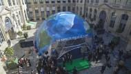 Der UN-Klima-Dom, ein neues Ausstellungszentrum im Parise Umweltministerium.