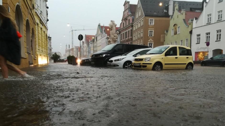 Ist das schon er Klimawandel? Der Starkregen im Süden Deutschlands  Ende Juni flutete die Altstadt von Landshut.