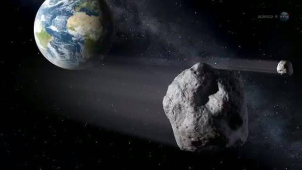 Rekordannäherung - Asteroid schrammt knapp an der Erde vorbei.