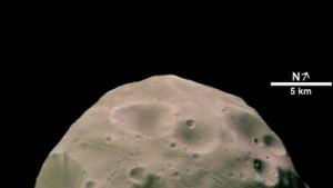 Marsmond Phobos in eine Ebene gebracht