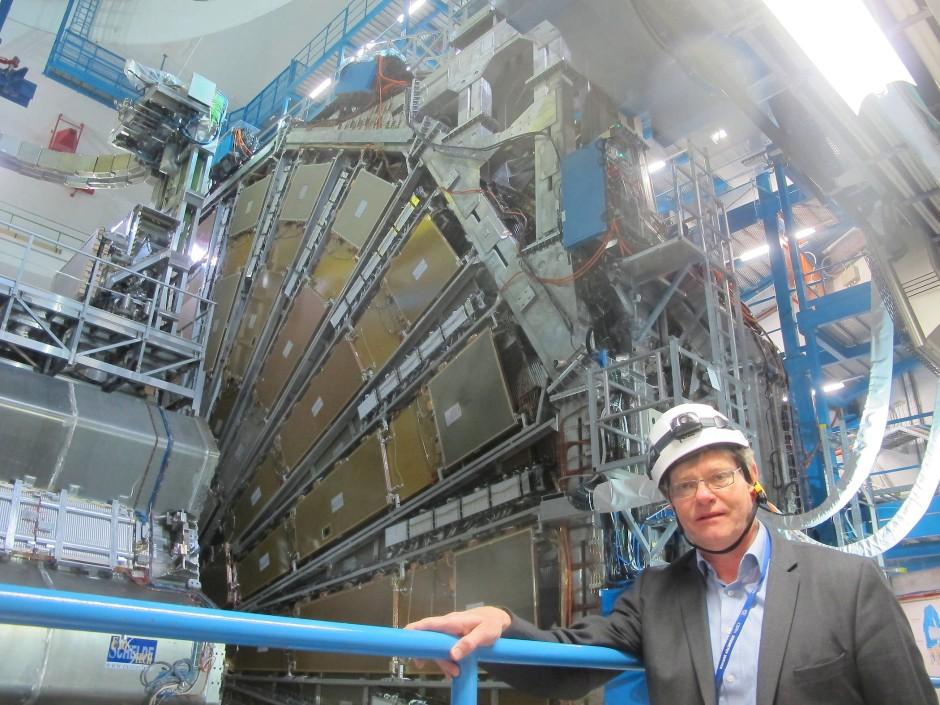 "Karl Jakobs vor dem ""echten"" Atlas-Detektor"