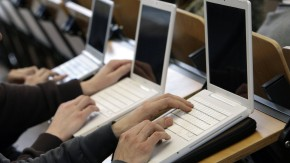 Computer- und Internetnutzung beruflich und privat stark gestiegen