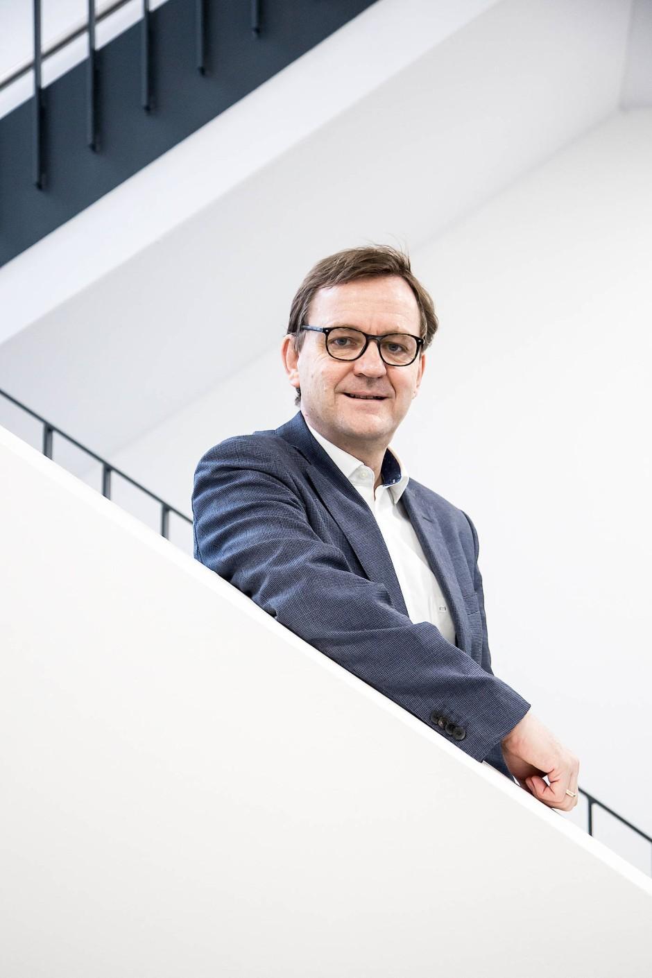 Univ.-Prof. Dr. Klaus Lieb ist Gründer und Wissenschaftlicher  Geschäftsführer des Leibniz-Instituts für Resilienzforschung.