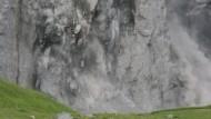 Nichts hält mehr: Teile der Eiger Ostflanke brachen im Juli 2006 einfach ab