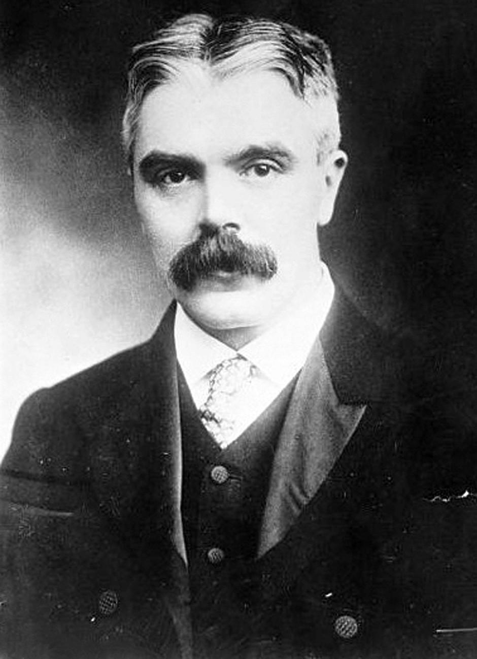 Sir Frank Watson Dyson (1868 bis 1939) analysierte die in Brasilien gemachten Aufnahmen der Finsternis – wie viele Astronomen damals sah er EinsteinsRelativitätstheorie zunächst skeptisch.