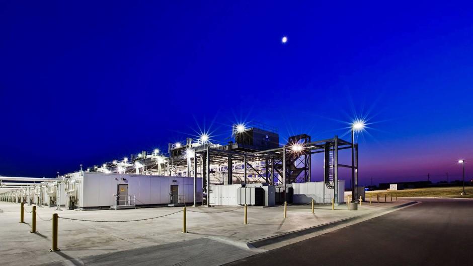 Auch die Datensammler von Google benötigen für ihre Rechen- und Datenspeicherzentren immer größere Kühlanlagen wie hier in Oklahoma.