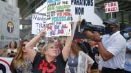 """""""Medizinische Freiheit"""" – der Aufstand der Trump-Fans gegen Corona-Regeln."""