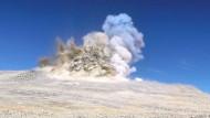 Spatenstich für das E-ELT: Die Bergkuppe des Armazones wird gesprengt.