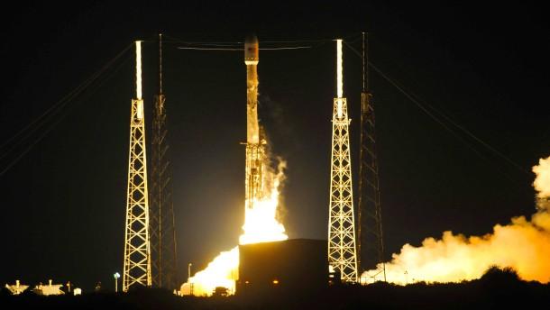 SpaceX gelingt abermals Rückkehr einer Unterstufe