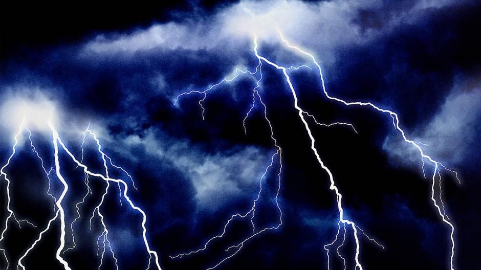 Ein Gewitter mit Donner und Blitzen ist ein faszinierendes Schauspiel.