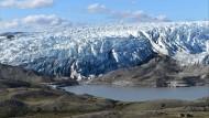 Nicht die Grönlands Eisschilde schmelzen, auch der Permafrostboden taut.