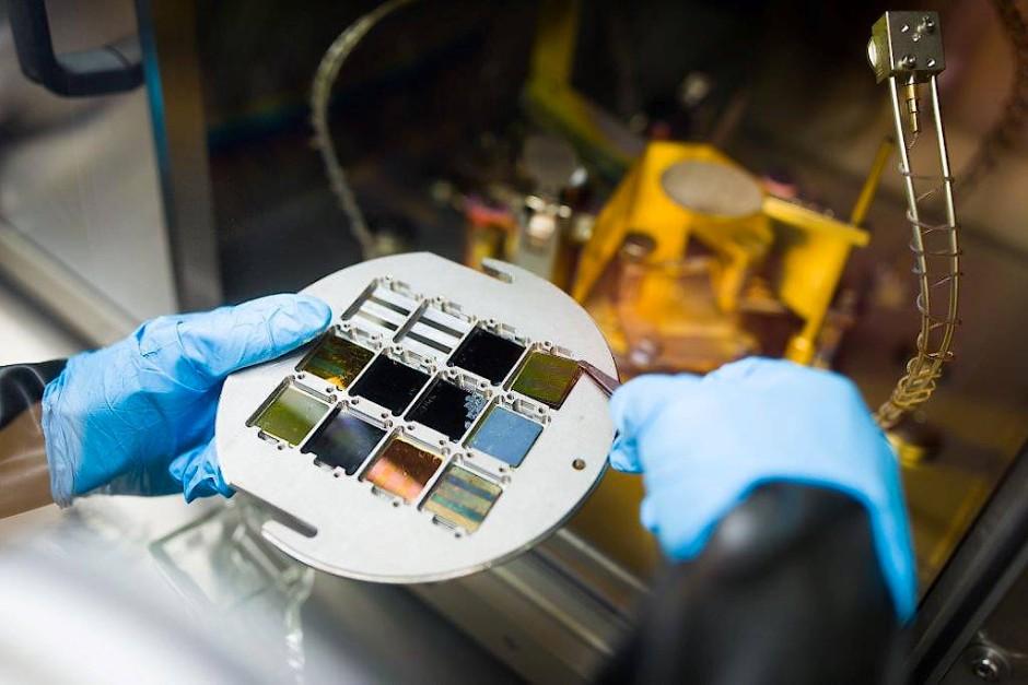 Perowskit-basierte Tandem-Solarzellen erreichen mittlerweile Ausbeuten an Solarstrom von mehr als 25 Prozent.