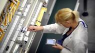 Nicht nur die Resistenzen, auch die Engpässe bei der Antibiotika-Versorgung sind zum Problem geworden..