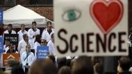 """""""Steht auf für die Wissenschaft"""" lautet das Motto."""