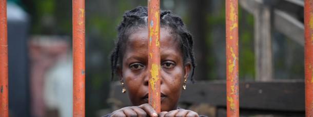 Viel haben die Mediziner nicht in der Hand, um die Seuche einzudämmen. Bereits im August wurde über den Slum West Point in Liberias Hauptstadt Monrovia eine Quarantäne verhängt.