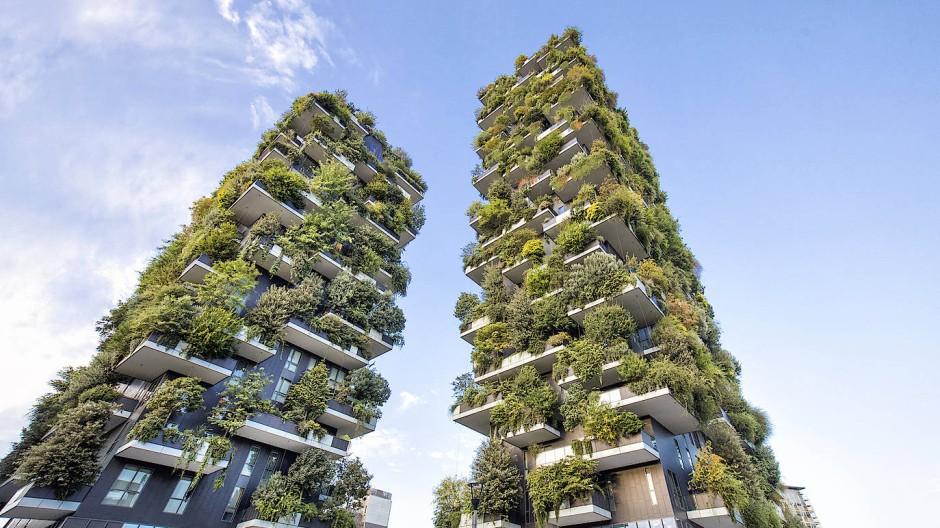 Die vertikalen Gärten an Hochhäusern wie hier in Mailand sollen erst der Anfang sein. Künftig soll auch die Natur allein zum Gärtner im Städtedschungel werden.