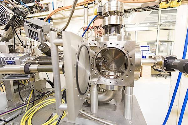 In dieser Kammer wird die metall-organische Probe mit Röntgenlicht bestrahlt.