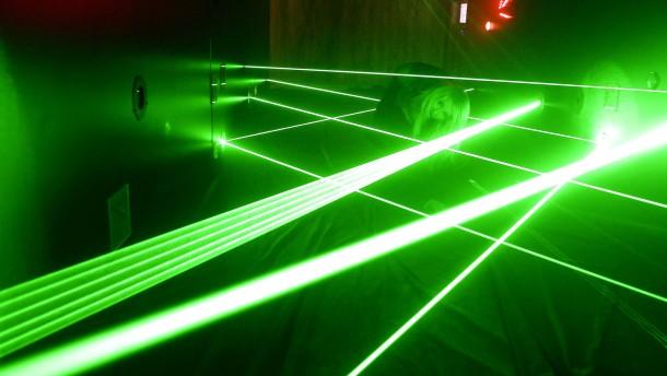 Laserstrahlen lassen sich eine Minute lang speichern.
