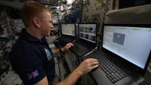 Britischer Astronaut steuert Rover vom All aus