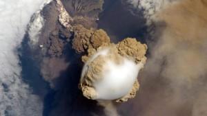 Vulkanische Gase auch in der Stratosphäre