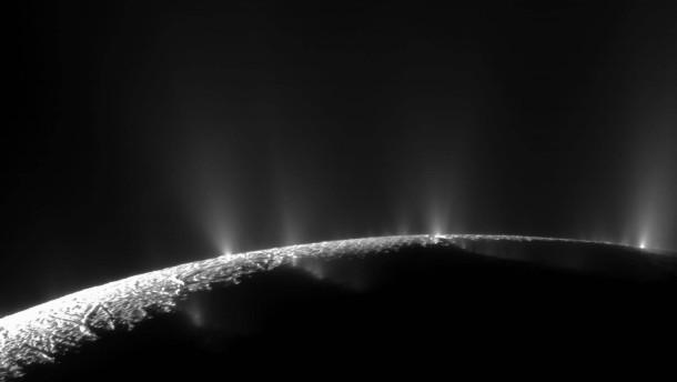 Enceladus ganz nah