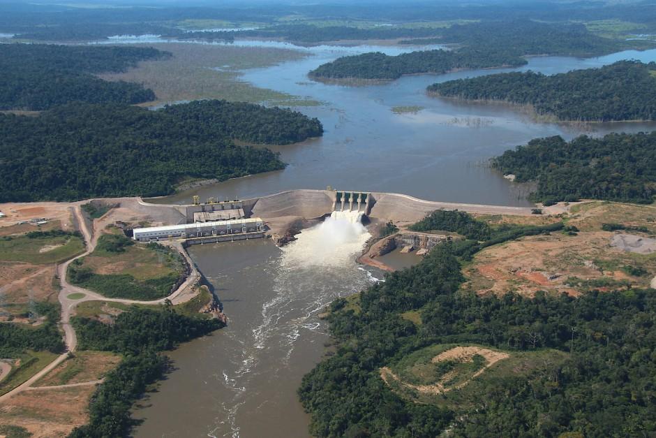 Ein Wasserkraftwerk am Rande des Nationalparks.
