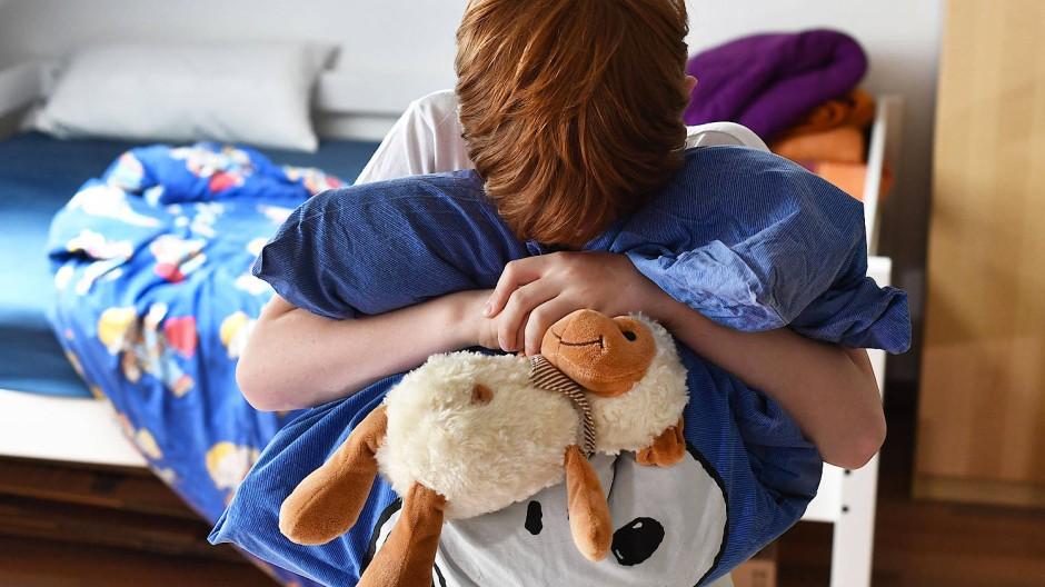 Kindern, die trauern, sollten Eltern eine Normalität vermitteln