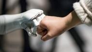 Eine Podiumsdiskussion über Chancen und Risiken der Künstlichen Intelligenz