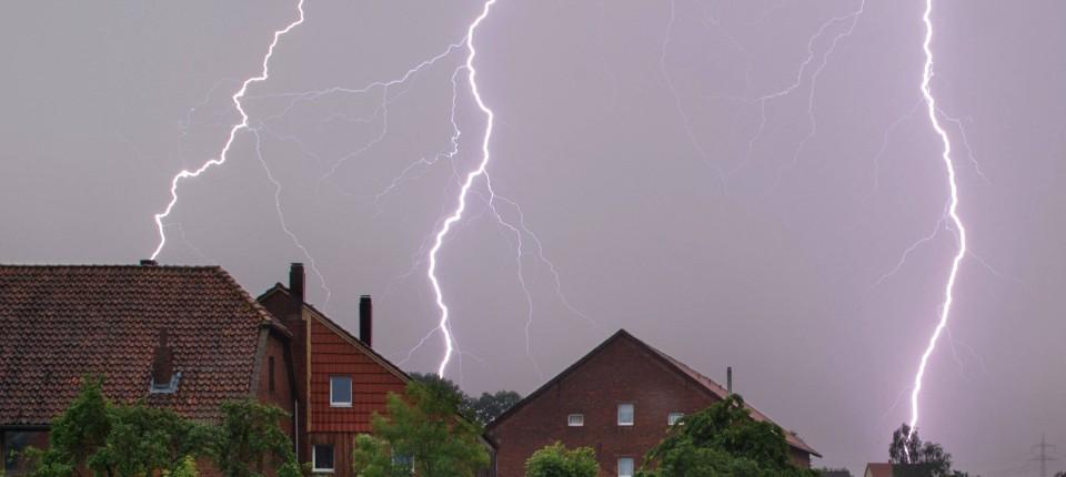 Schutz Vor Gewittern Blitzableiter An Hausern