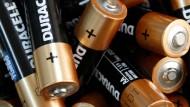 In Zukunft könnten für Batterien und Akkus weniger seltene Materialien benötigt werden.