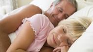 Gesunder Schlaf ist auch im Alter möglich.