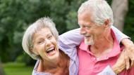 Damit ein jeder das Alter unbeschwert genießen kann, bedarf es umfassender Reaktionen auf den demografischen Wandel.