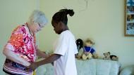 Die Hauptaufgabe einer Pflegekraft sollte auch die Pflege sein.