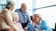 Die Bevölkerung wird immer älter und somit die Anzahl derer, die später auf Pflege angewiesen sind.