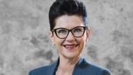 Die Stil- und Image-Expertin Elisabeth Motsch berät Wirtschaftsunternehmen in Fragen des Dresscodes und markengerechten Auftritts der Mitarbeiter.