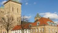 Der römisch-katholische Dom St. Peter in Osnabrück ist die Kathedrale des Bistums Osnabrück.