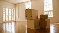 Räumliche Flexibilität ist bei Berufseinsteigern wichtig, auf gepackten Kisten müssen sie dennoch nicht immer sitzen.