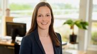 Katharina Brieden hat an der Hochschule für Technik, Wirtschaft und Kultur in Leipzig Architektur (Diplom) studiert. Von 2008 bis 2010 absolvierte sie berufsbegleitend einen Master (M.Sc.) im Bereich Real Estate Management & Construction Project Management.