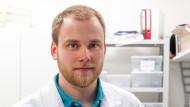 Stefan Schneider ist 26. Er hat Chemieingenieurwesen und Verfahrenstechnik am Karlsruher Institut für Technologie studiert und 2017 mit dem Master of Science abgeschlossen.