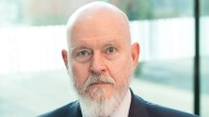 Thomas Lundmark ist emeritierter Professor für Common Law und Vergleichende Rechtstheorie an der Westfälischen Wilhelms-Universität in Münster.