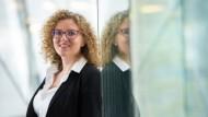 Eva Ulbrich arbeitet am Europäischen Parlament: Die Juristin wusste schon nach dem Abitur, dass sie einmal in einem internationalen Umfeld durchstarten will.