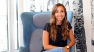 Marina Kull, 29, hat einen Bachelor in Betriebswirtschaftslehre der Universität Mannheim (2012) und ihr Studium 2014 mit einem BWL-Master an der LMU München abgeschlossen.