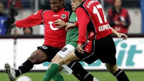 Wolfsburg verspielt Platz eins
