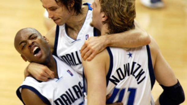 31 Punkte - Nowitzki führt Dallas ins Viertelfinale