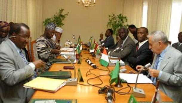 AU befürwortet Waffenembargo
